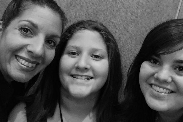 Of course, we had to snap a selfie! Pictured: Isabella's mom (Mariamar), Isabella, and myself. Photo credit: Mariamar Masso