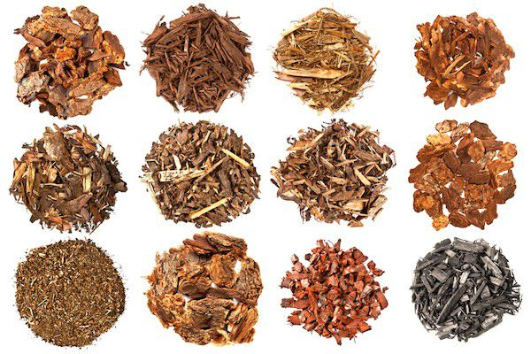 Different varieties of mulch by Shutterstock.