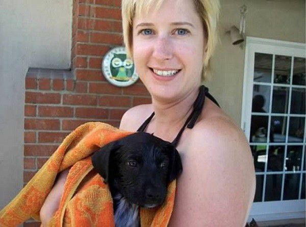 Puppy Riggins and Wendy after his first bath. (Photo by Doris Newell)