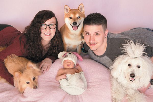 Winner: Amber, Neila and Holden Futhey with pups Bear, Capone and Stinson of Colorado.